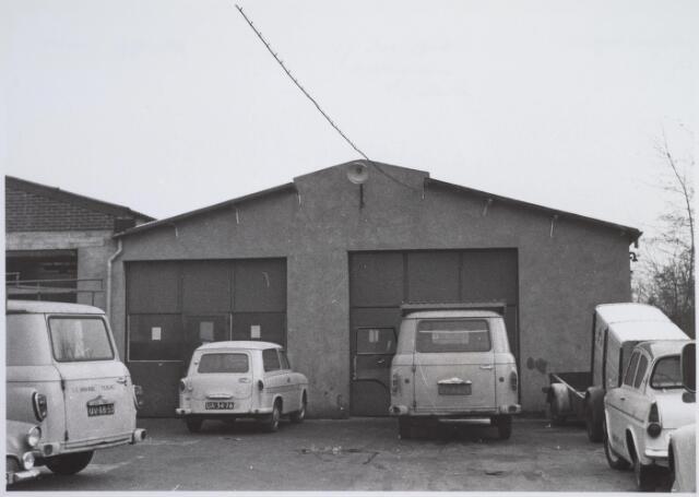 026150 - Werkplaatsen van garage Oppermans aan het Lijnsheike