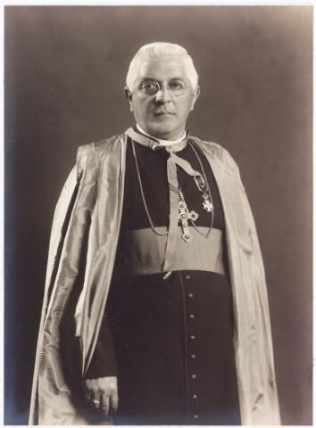 061923 - Mgr Walter Panis, geboren 1882, van de paters Rooi Harten van de Bredaseweg (M.S.C.) Hij was in 1934 apostolis vicaris van Celebes.