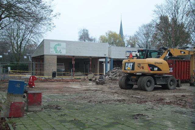 658284 - Onderwijs. Basisschool. De sloop van het oude gebouw van de Sint Caeciliaschool in Berkel-Enschot in 2018.