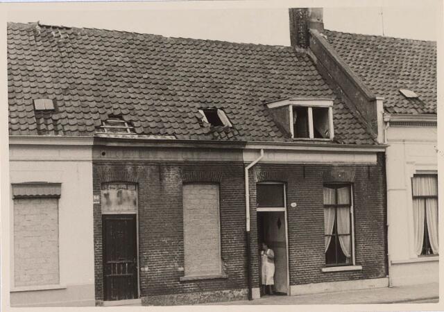 024138 - Slooppanden in de Prinses Sophiastraat in augustus 1962