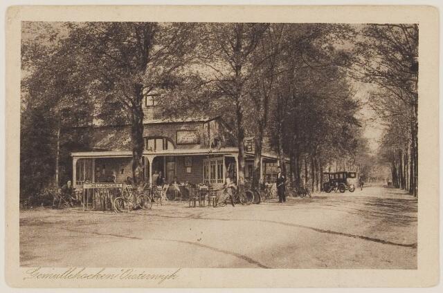 """073727 - Gafé restaurant """"Gemullehoeken"""" aan de Gemullehoekenweg vanuit noordelijke richting gezien."""