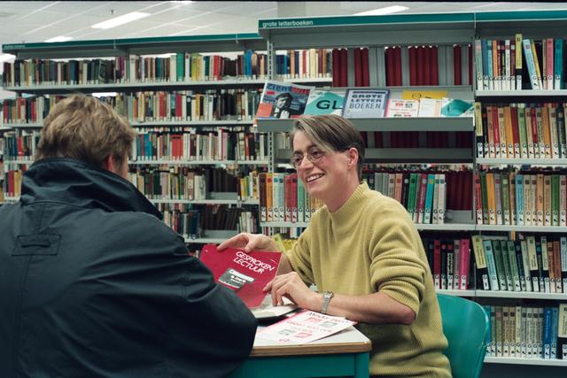 1237_010_766-2_001 - De openbare bibliotheek 1997. Gesproken lectuur.