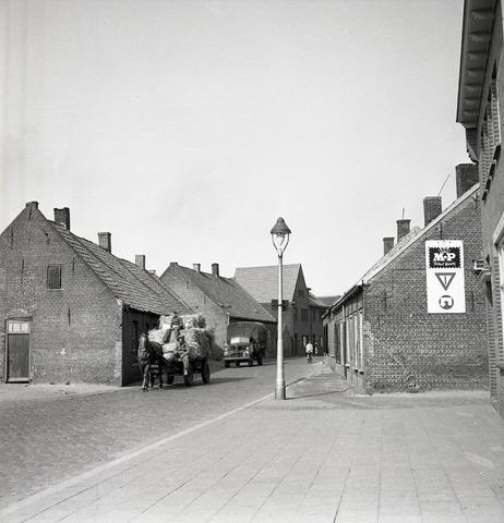 654876 - Straatbeeld Tilburg.