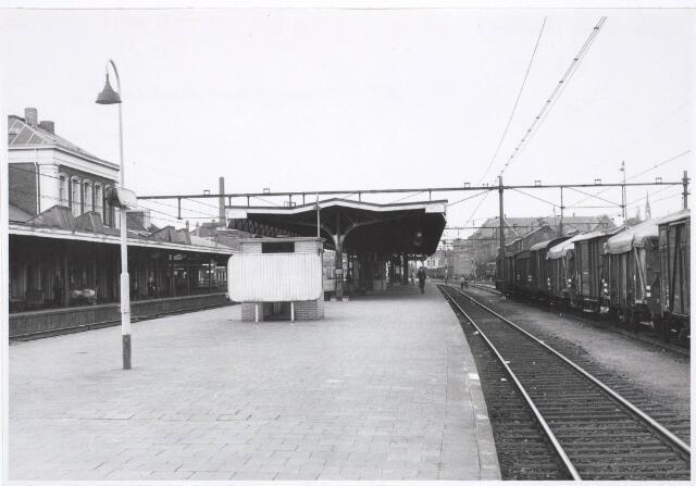 031820 - Spoorwegen: Station aan de Spoorlaan