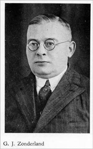 054574 - G.J. Zonderland, vertegenwoordiger van stoomschoenfabriek Ligtenberg te Dongen.