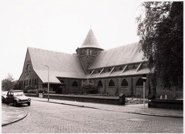 033255 - R.K. Kerk van de Kleine H. Theresia aan het Theresiaplein