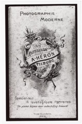 008474 - Achterzijde visitekaartfoto van A. Héron (Paul van Wulven en Henri Berssenbrugge) omstreeks 1901-1902.