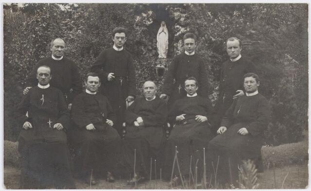 057363 - Fraters te Oisterwijk in 1913