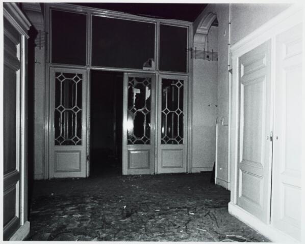 025375 - Interieur van het St. Josephgasthuis aan de Lange Nieuwstraat tijdens de sloop in 1977