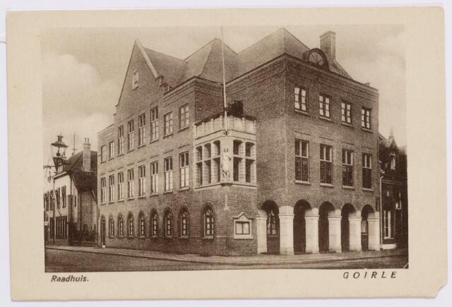 046643 - Gemeentehuis en postkantoor aan de Tilburgseweg.