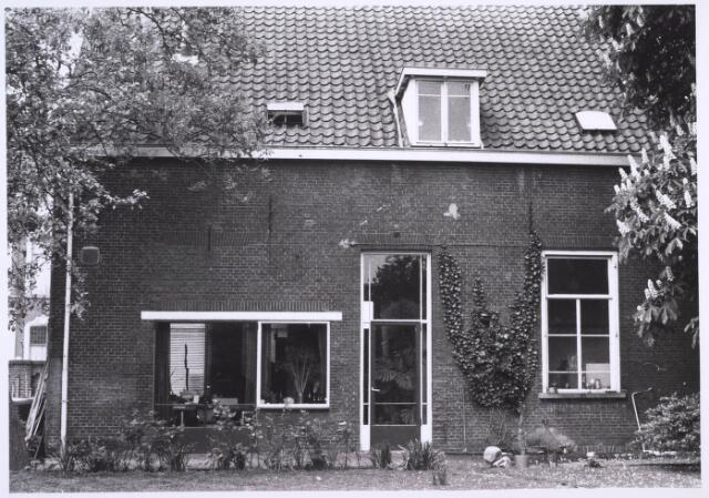 023142 - Achterzijde van het pand St. Josephstraat 131 halverwege 1976