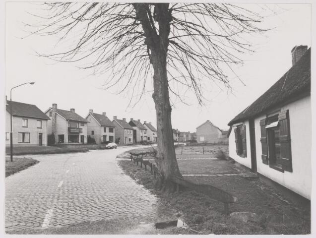 082499 - Gilze, hoek Rielsebaan / Molenstraat