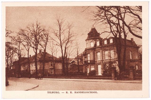 002649 - Bosscheweg, later Tivolistraat. Rechts villa Tivoli, links het gebouw van de R.K. Leergangen.