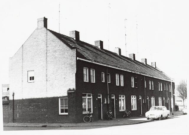 028132 - Woningen aan de Pastoor Smitsstraat 1 tot en met 11