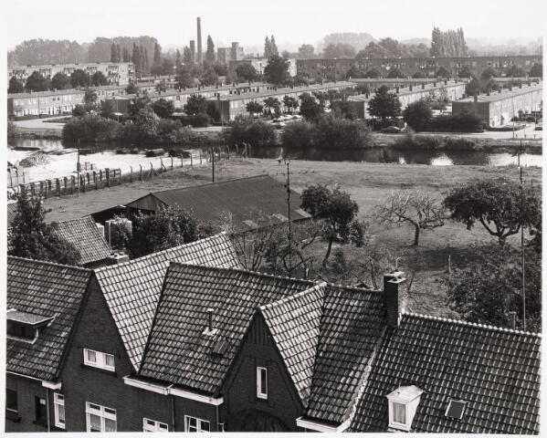 036289 - Panorama vanuit schoolgebouw scholengemeenschap St. Dionysius aan Ringbaan-Oost op Oisterwijksebaan, zij-arm Wilhelminakanaal en de Jeruzalemwijk.