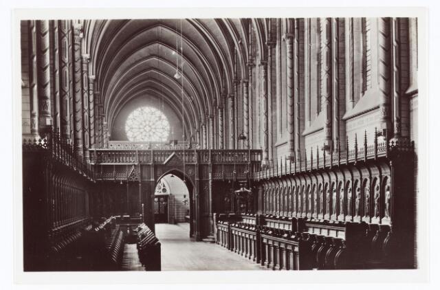 062129 - Kloosters. Interieur van de abdij van Onze Lieve Vrouw van Koningshoeven aan de Eindhovenseweg 3 (koor der paters)