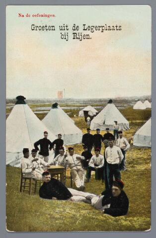 058068 - Rijen, militair kamp. Tussen de Rijksweg en de spoorlijn bevond zich het zogenaamde´Kamp bij Rijen´,  waarvan het leger reeds in de 18e en 19e eeuw gebruik maakte. Deze opname is gemaakt omstreeks 1910 in het tentenkamp.