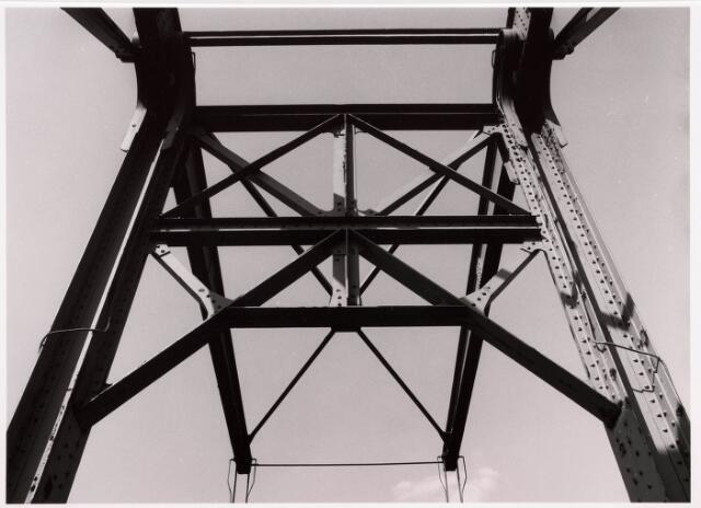 034793 - Detail van een brug over het Wilhelminakanaal