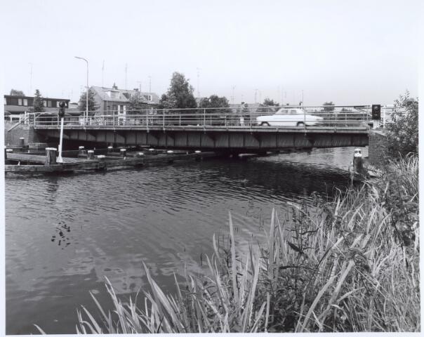 020634 - Brug over het Wilhelminakanal tussen Prinsenhoeve (links) en Hoevenseweg