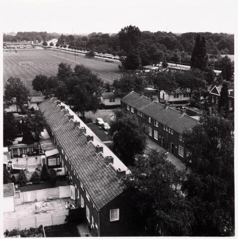 036744 - Panorama van Tilburg vanaf het verpleegtehuis St. Jozefzorg aan de Wethouderslaan
