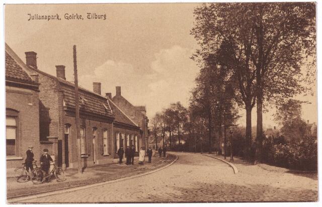001375 - De westzijde van het Julianapark.