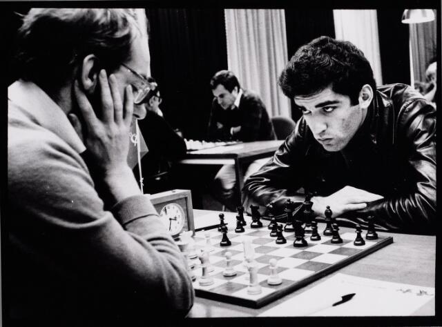 065427 - Sport. Schaken. Interpolis schaaktoernooi.