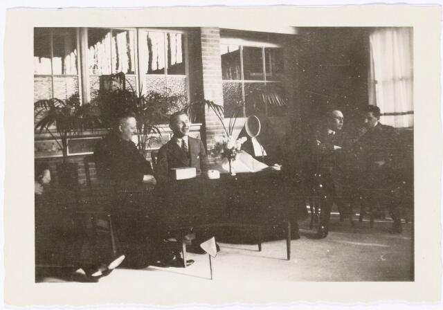 051635 - Middelbaar onderwijs. Leraren van het R.K. Theresialyceum.