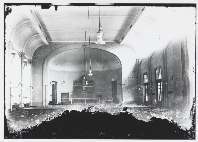 055459 - Patronaatsgebouw Leo XIII, waar mogelijk na de brand van de St. Laurentiuskerk de kerkdiensten werden gehouden.