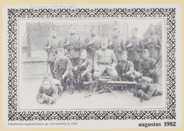 079583 - Udenhoutse wapenbroeders op vooroefening in 1928.