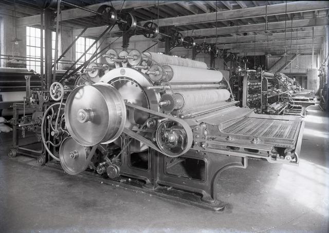 654383 - Industrie. Interieur van wollenstoffenbfabriek Thomas de Beer.