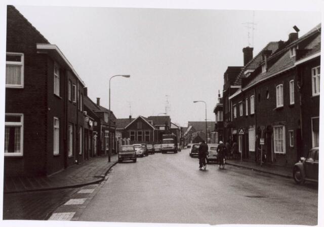 022392 - Hoefstraat ter hoogte van de Paus Adriaanstraat (links)