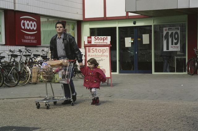 TLB023000752_003 - Ingang C1000 supermarkt bij winkelcentrum Wagnerplein