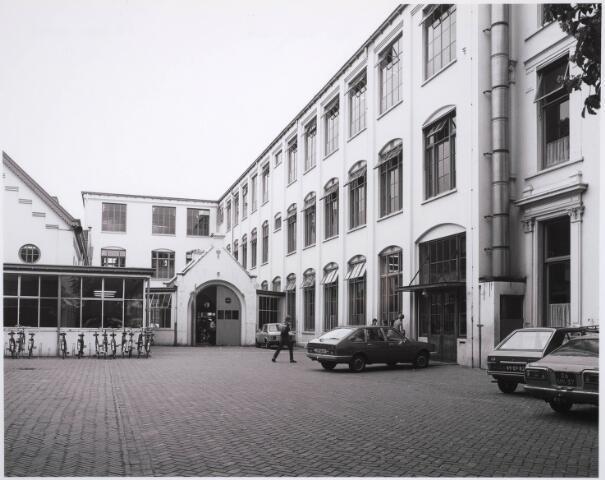 031664 - Onderwijs: r.k.Ambachts- en Industrieschool voor Tilburg en omstreken aan de Spoorlaan