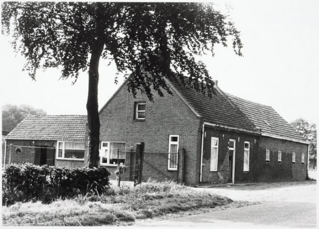 032942 - Woonhuis aan de Stokhasseltlaan 19, eigendom van de weduwe Klomp.