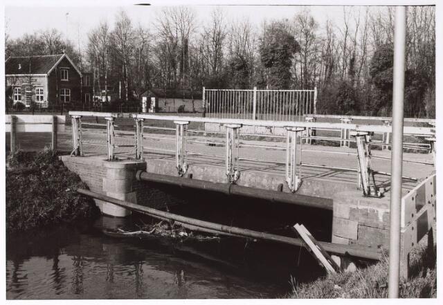 023930 - Brug over de Leij onder Koningshoeven omstreeks 1975
