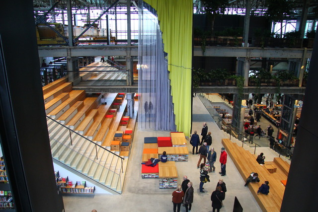 658314 - Bibliotheek LocHal in de Spoorzone in 2019.
