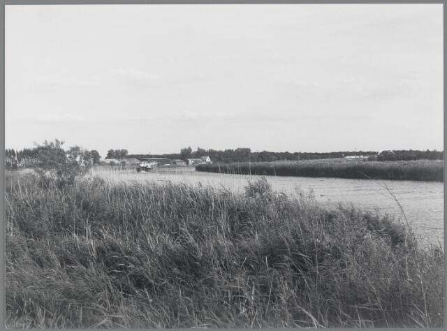 88721 - De Mark vanaf de Molenpolder in zuidelijke richting.
