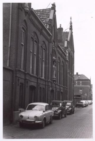 014326 - St.-Denis, de lagere school van de parochie Heike in de Antoniusstraat