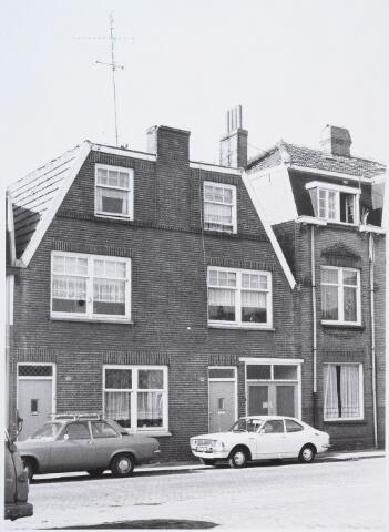 028273 - Voorgevels van de panden aan de Paterstraat 37 c-b