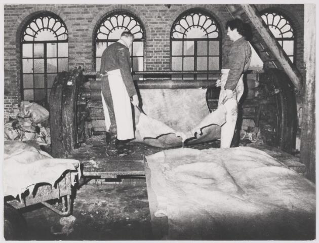 081545 - Interieur. Leerlooierij van Gorp.