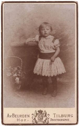 003584 - ....Berghegge, dochter van Josephine Maria Margaretha Houben (1853-1920) en Johannes Antonius Berghegge (1850-1922
