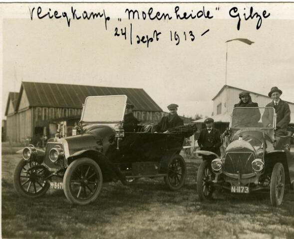"""091934 - Vliegveld te Gilze-Rijen, Volgens opschrift op de foto  """"Vliegkamp Molenheide te Gilze""""."""