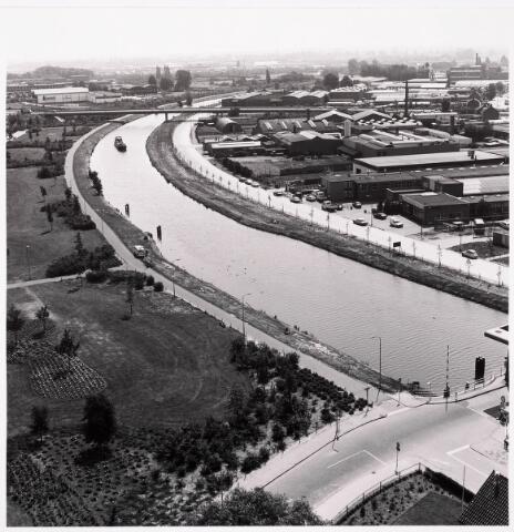 036411 - Panorama van Tilburg vanaf de flat aan de Hoffmannlaan.