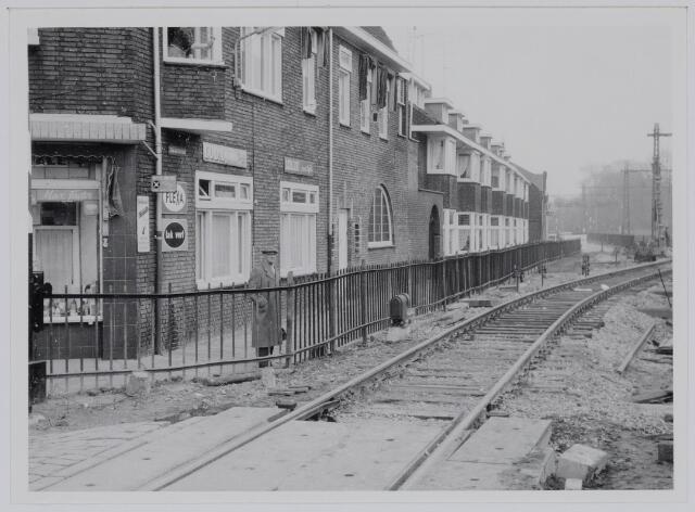 037237 - Spoorwegen: hulpspoor langs de Zuid-Oosterstraat.