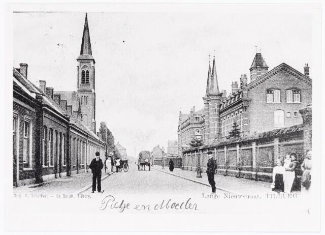 040089 - Lange Nieuwstraat met rechts het St. Josephgesticht en links de toren van het clarissenklooster.