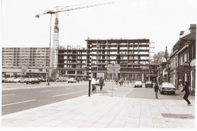 028028 - woningen en flats aan de Paleisring
