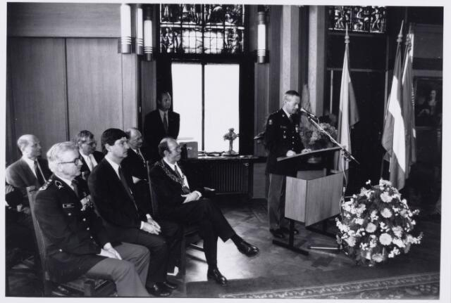 101792 - Militairen. Toespraak in het gemeentehuis ter gelegenheid van het afscheid van de WillemII kazerne
