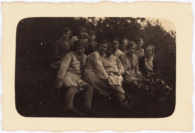 008846 - Processie Tilburg-Kevelaer, bij de Wellse molen 14 augustus 1931.