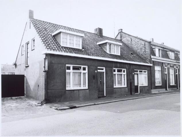020538 - Panden Hasseltstraat 55, 57 en 59 (van rechts naar links) eind 1976