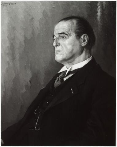 006599 - Foto van geschilderd portret. Henri M.J. Blomjous (1877-1953) bestuurslid Tilburgsche Spaarbank (1903-1953) en voorzitter (1917-1953).  Schilderij van Jan van Delft 1942.